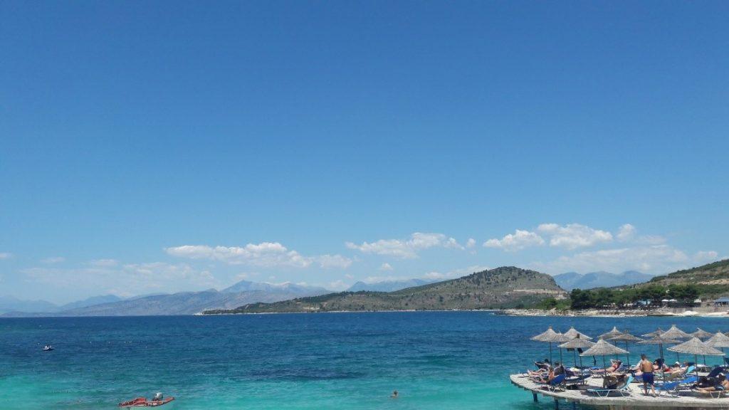 Praias paradisíacas em Ksamil na Albânia